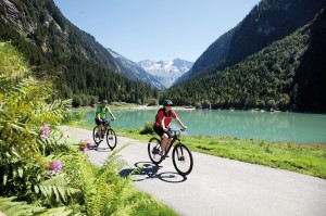 E-Bike-Tour entlang Stausee bei Mayrhofen