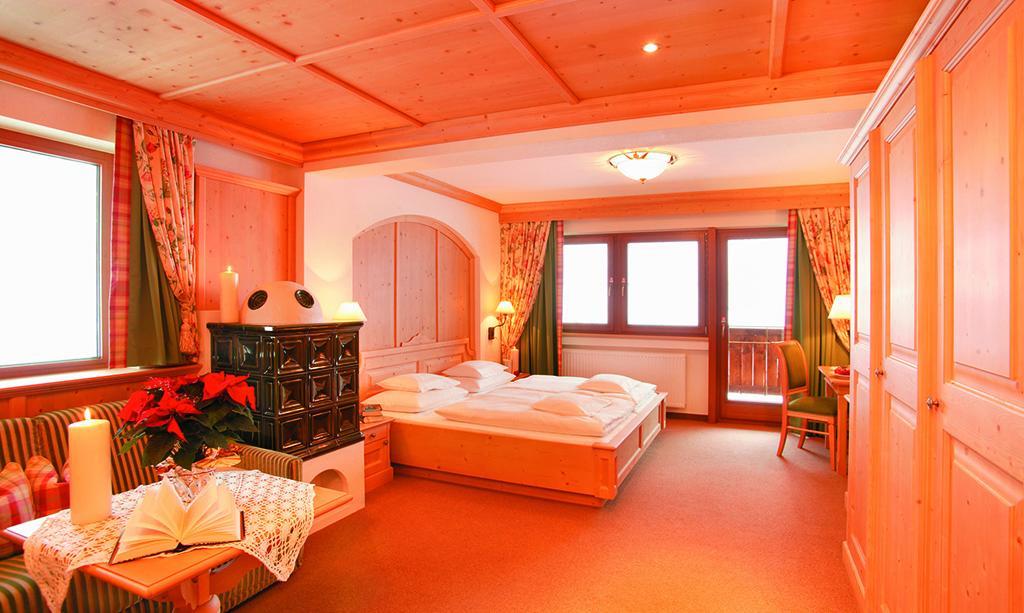 Großzügige Zimmer im Hotel Alpenhof